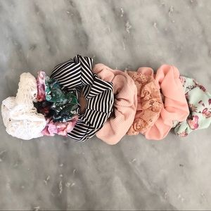 Urban Outfitters Scrunchie set